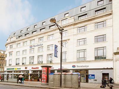 Utsiden av Travelodge Picadilly